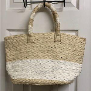 Altru made for good straw bag
